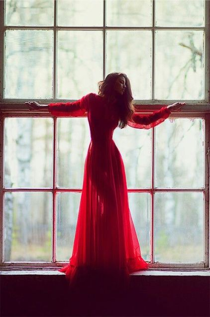 3c16831346d1254fa0785beab76fcbfd--lady-in-red-red-so.jpg