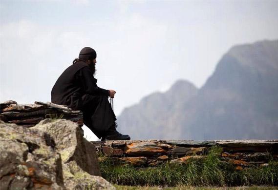 Toleranța. Povestea unuicălugăr.