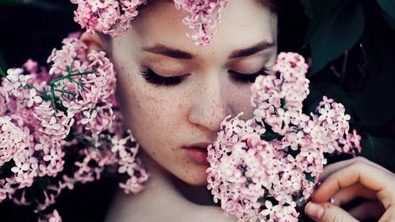 Viaţa nu se măsoară după numărul de  respiraţii, ci după numărul momentelor care-ţi taierespiraţia.