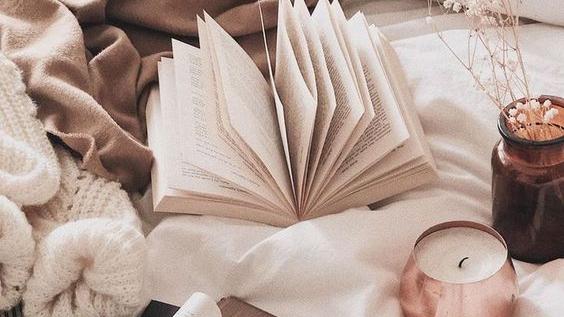 """Citind-o pe Sandra Coroian. Cartea """"Origami: Omul dehârtie"""""""