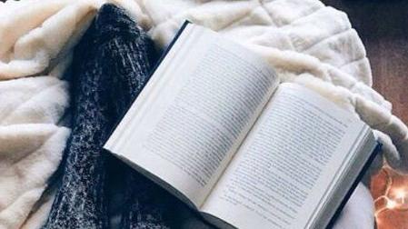 """Citind-o pe Malala Yousafzai. Cartea """"Suntem Dezrădăcinate"""""""
