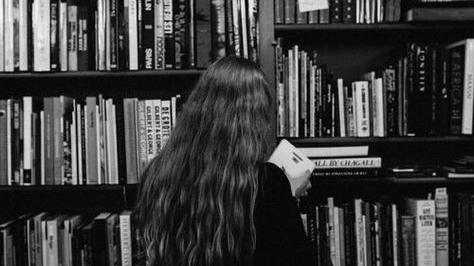 "Citindu-l pe David H. Lowenherz. Cartea ""50 cele mai frumoase Scrisori dedragoste"""