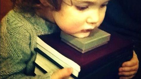 """Citind-o pe Anna Noua. Cartea """"Aventurile domnișoarei Clarisse pe Tărâmul Emoțiilor"""""""